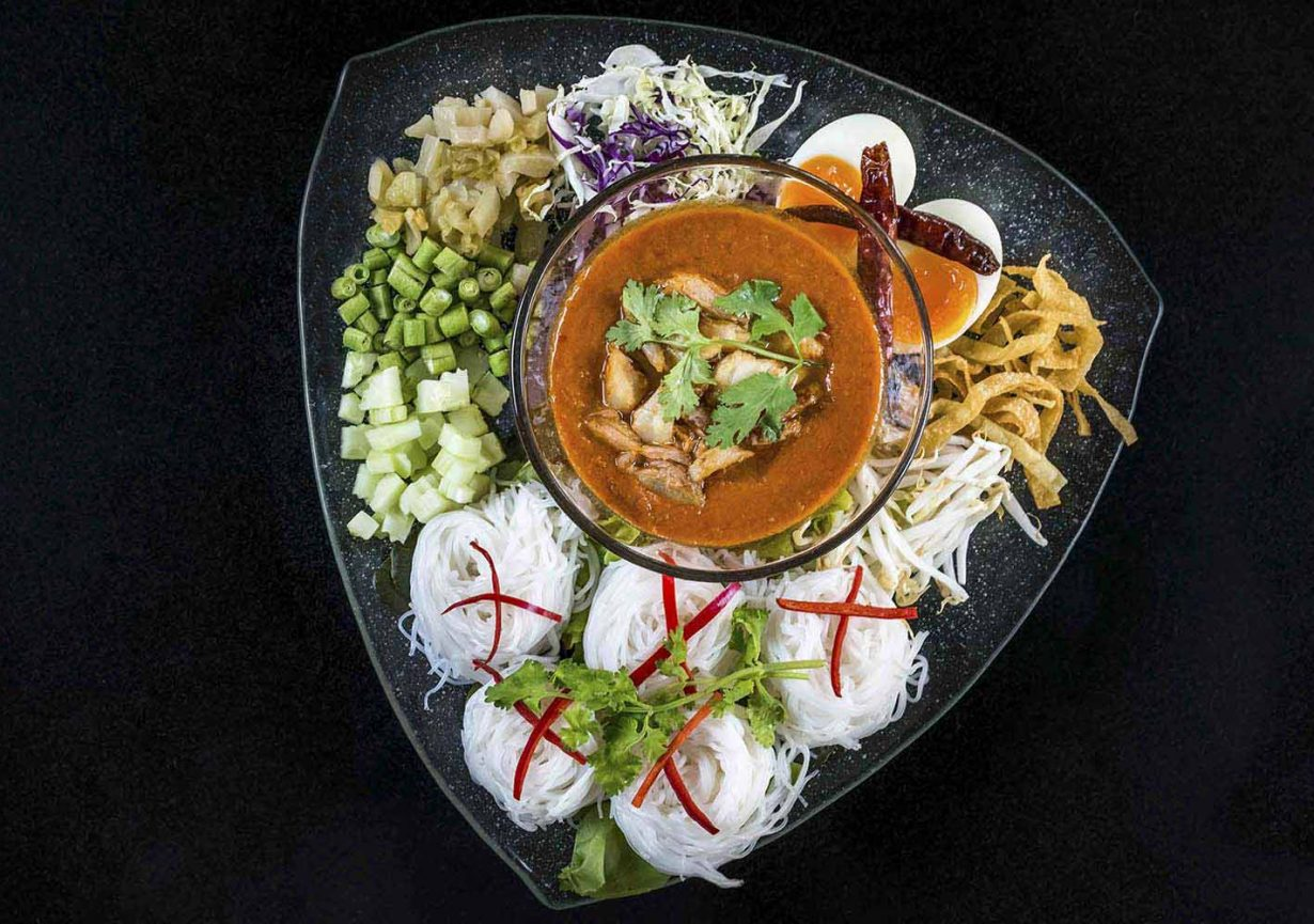 What elements make Thai restaurants very special and different from others?