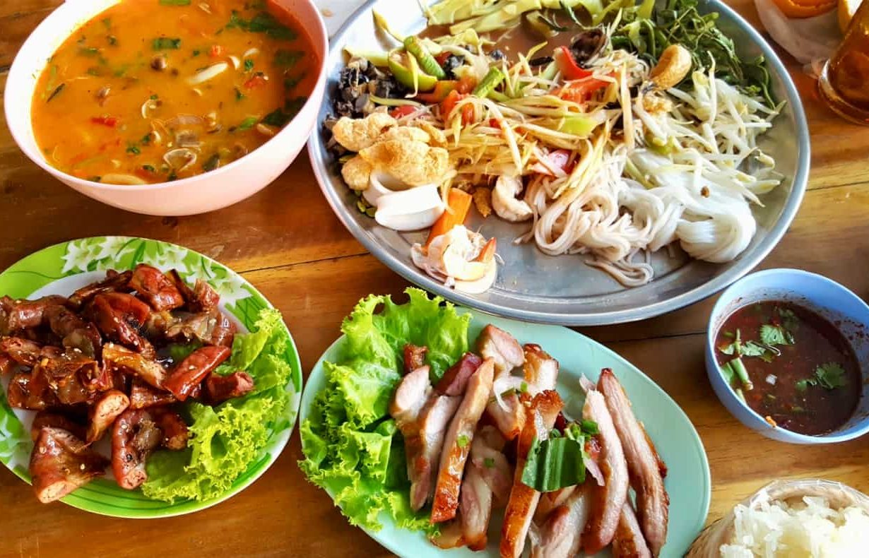 Why people prefer to dine in a Thai restaurant?